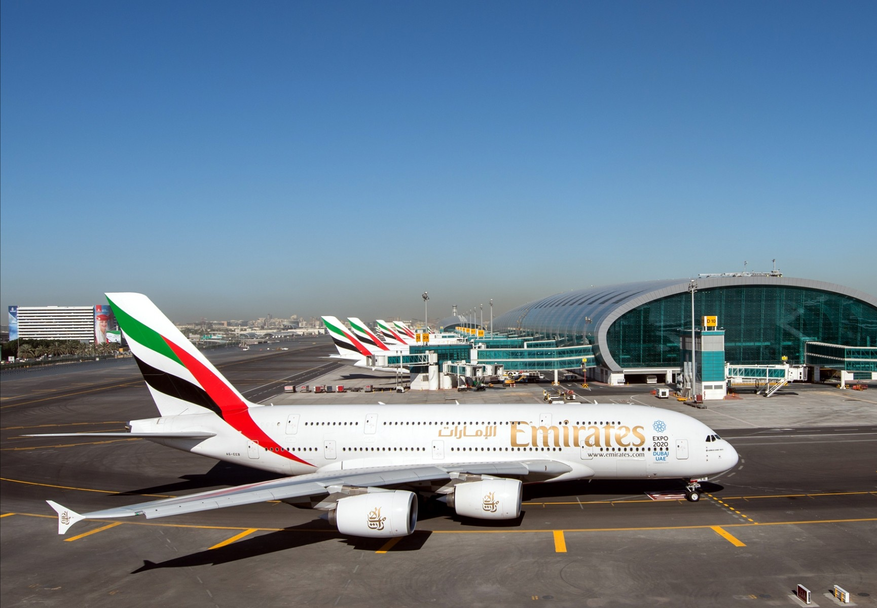 Emirates SkyCargo transports first batch of Pfizer-BioNTech COVID-19 vaccines for Dubai Health Authority