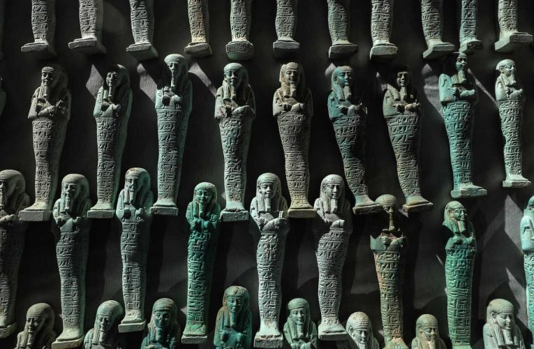 Egypt agrees to help Iraq recover looted antiquities
