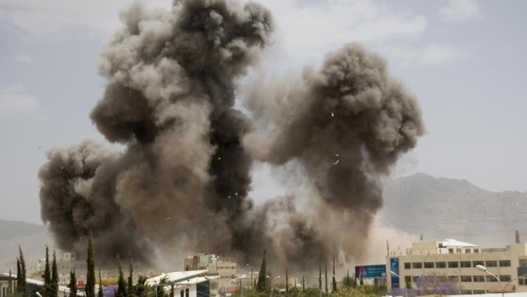 Saudi-led coalition launches raids on Sanaa after thwarting Houthi attacks