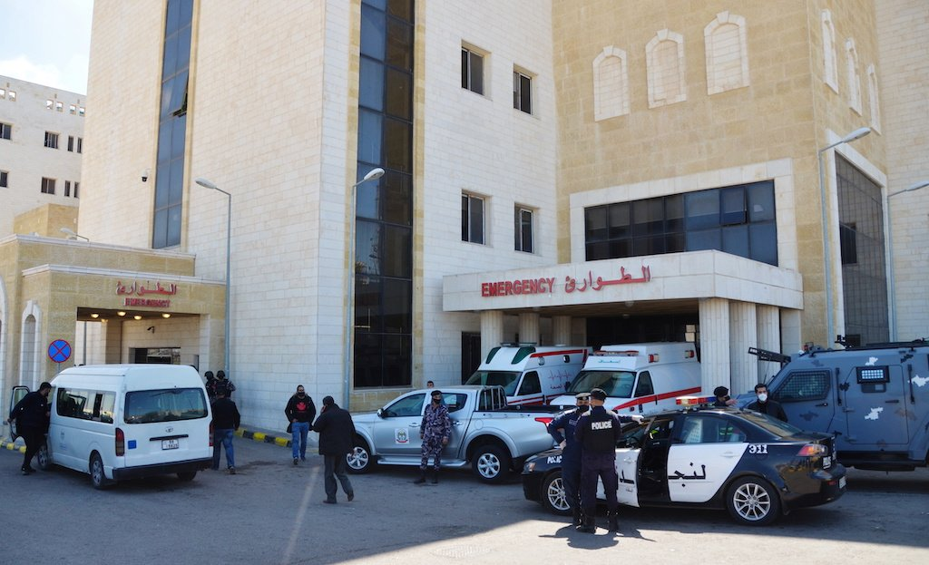 Covid: Jordan health minister resigns after oxygen outage kills patients