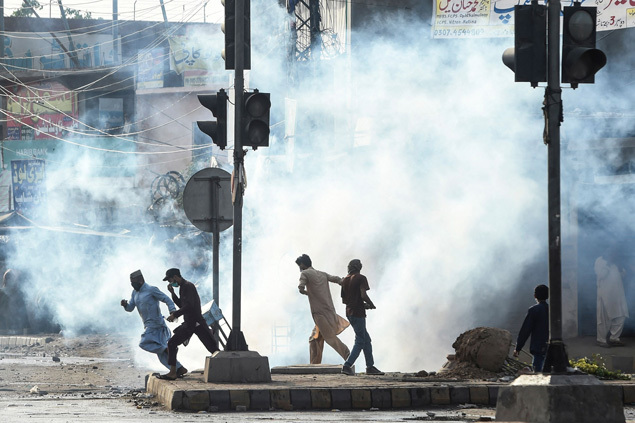 Pakistan deploys paramilitary forces to quell deadly Islamist protests