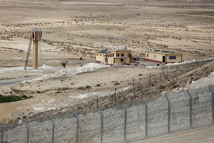 IS militants abduct 5 people in Sinai