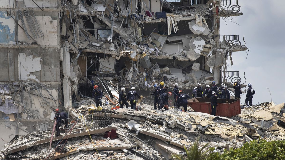 Rescuers find more bodies at Miami building collapse site