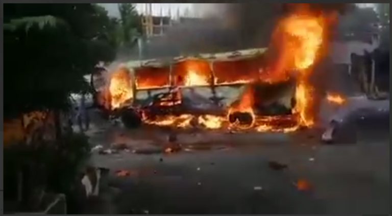 Explosion on bus carrying soldiers in Damascus kills one